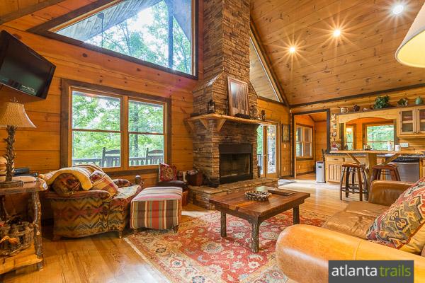Blue ridge cabin review hawks ridge southern comfort for Cabin rentals close to atlanta ga
