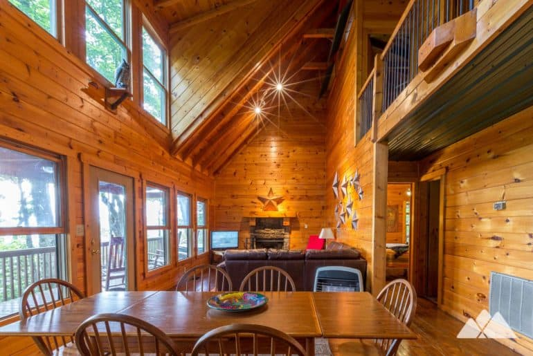 Ellijay Dog-Friendly Cliffhanger Cabin