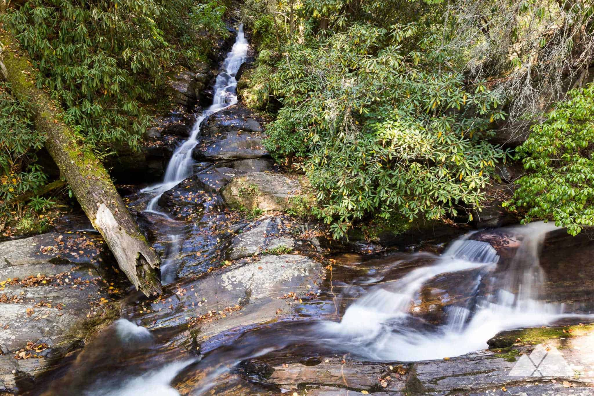 waterfalls in helen ga Anna ruby falls is a tumbling pair of waterfalls that spill in tandem from a tall cliff it's located just north of helen in the chattahoochee national forest atlantatrailscom.