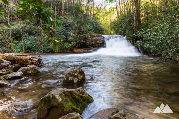 Hike an easy, kid-friendly two mile hike to the beautiful Hemlock Falls at North Georgia's Lake Burton