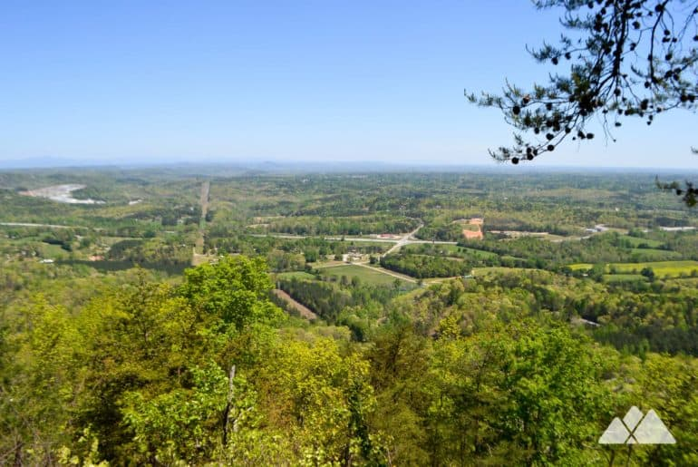 Currahee Mountain Trail: hiking to summit views and nearby Toccoa Falls