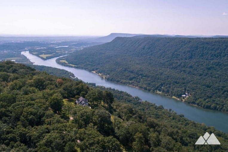 Our favorite Chattanooga hikes: follow the Cumberland Trail to beautiful views at Signal Point