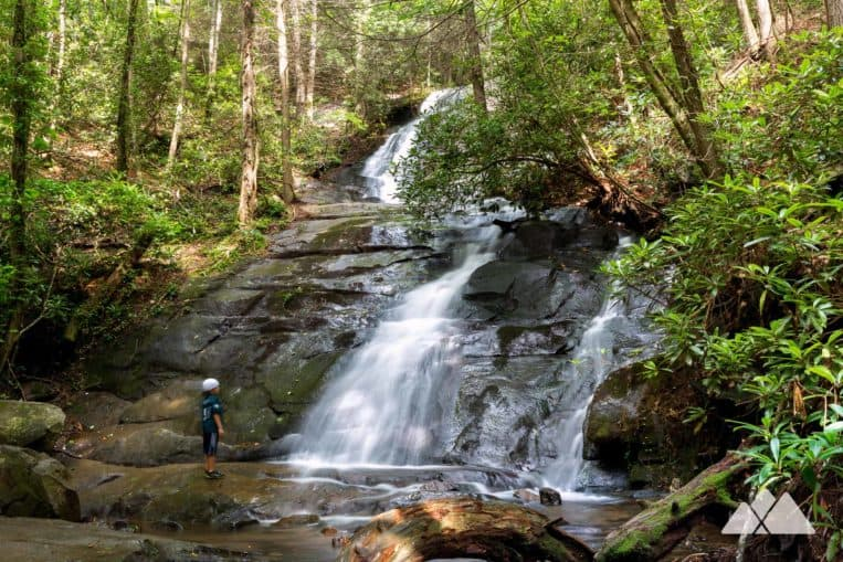 Hike to Fall Branch Falls, a family and kid-friendly hike near Blue Ridge on the Benton MacKaye Trail