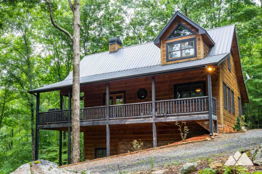 Southern Comfort Cabin Rentals review: Hawks Ridge in Blue Ridge, GA