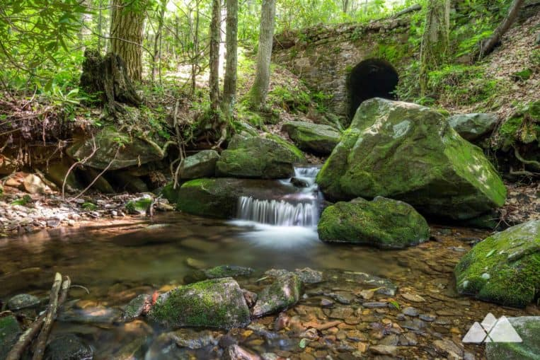 Byron Reece Trail: hike from Neels Gap to the Appalachian Trail at Blood Mountain