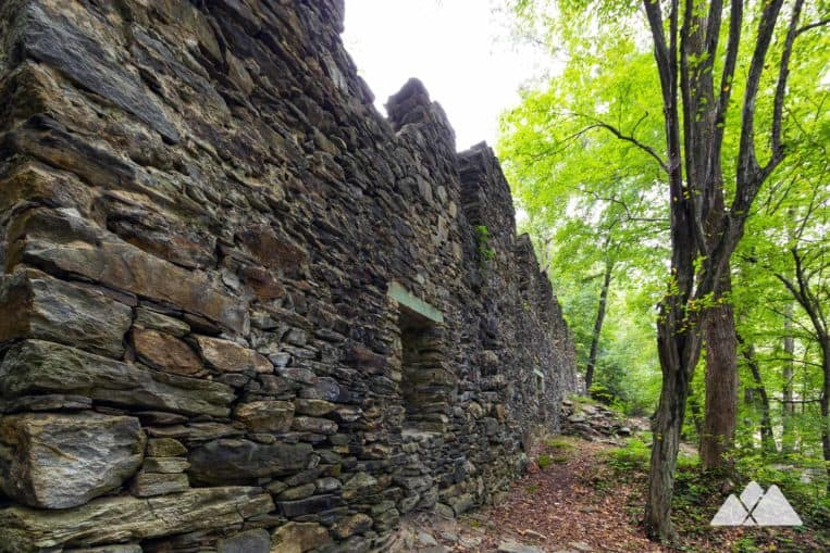 Hike from Cochran Shoals park to the stone paper mill ruins at Sope Creek in Atlanta, GA