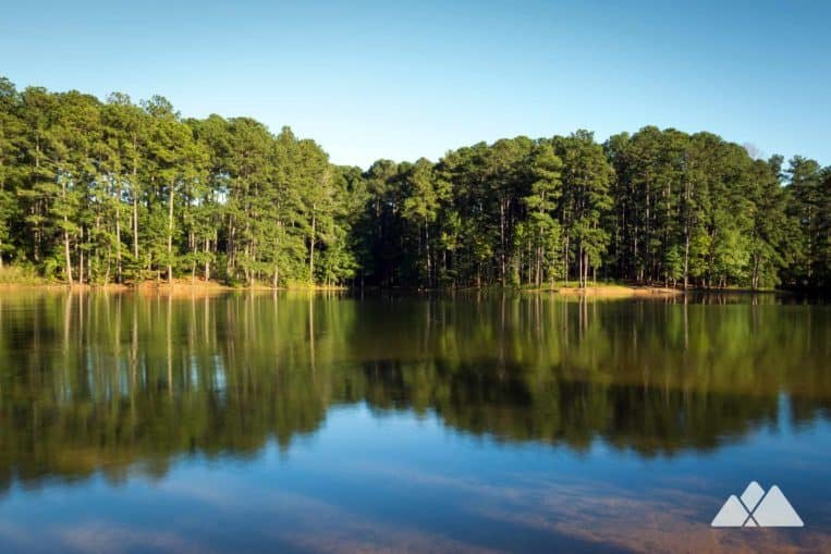 Red Top Mountain Lakeside Trail: catch stunning views of Lake Allatoona