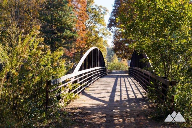 Murphey Candler Park: run through an urban forest in metro Atlanta, circling a scenic lake