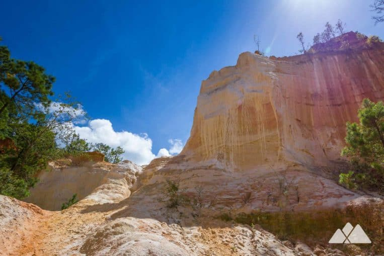 Providence Canyon State Park: hike through colorful sanstone at Georgia's Little Grand Canyon