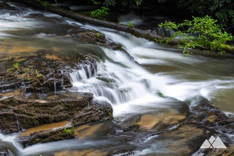 Tumbling Waters Nature Trail: hike to two waterfalls at Carters Lake