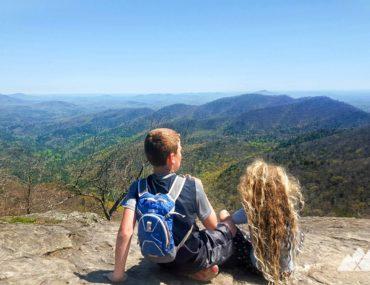 Kids hiking gear list